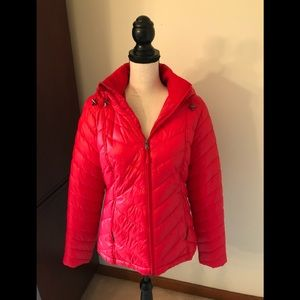 TEK GEAR RED PUFFER JACKET LIKE NEW❤️🙌 SIZE M EUC